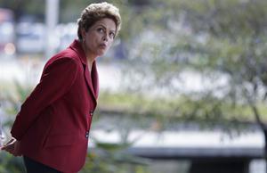 Dilma, en el Palacio de Itamaraty, a la espera del primer ministro chino, el martes pasado. Foto: Reuters