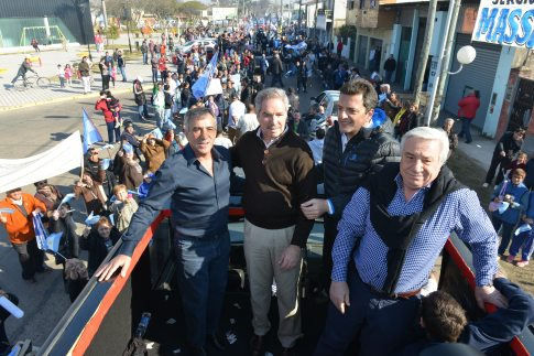 Jesús Cariglino, Felipe Solá, Sergio Massa y Roque Cariglino