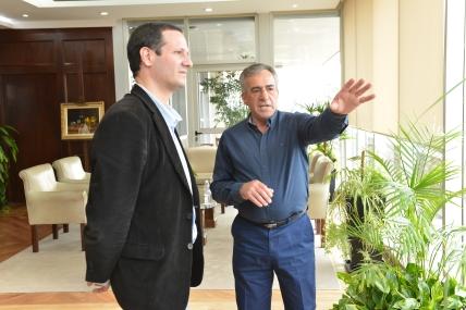 precandidato a intendente de Lomas de Zamora por el Frente Renovador, Ramiro Trezza, junto a Jesús Cariglino Intendente de Malvinas Argentinas-Conductor